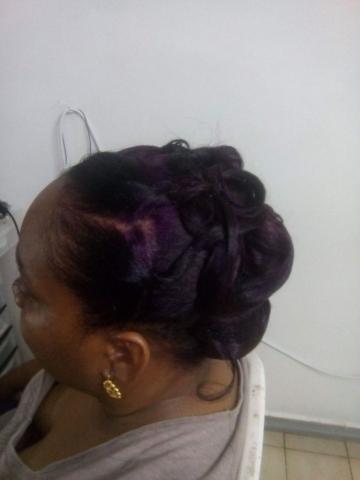 Fabie Dom Hair - Chignon classe reflets violets