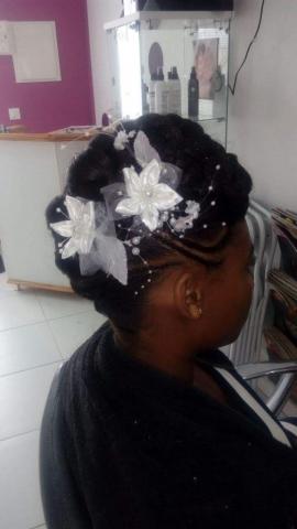 Fabie Dom Hair - Chignon fleurs blanches
