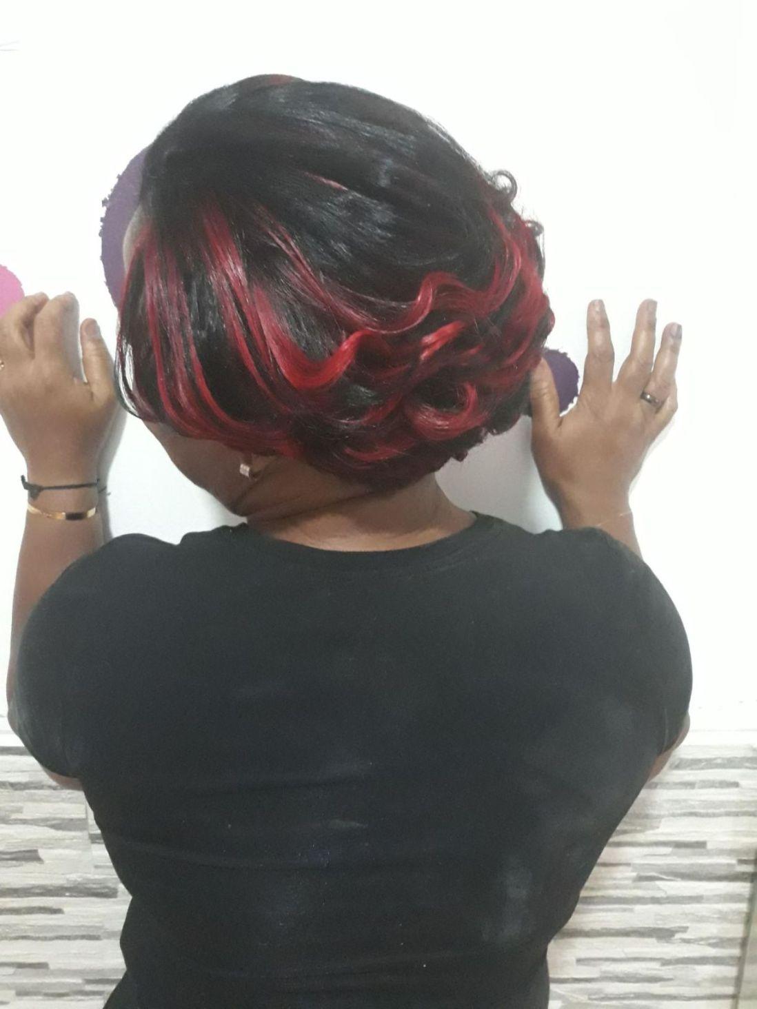 Fabie Dom Hair - Coiffure courte mèches rouges