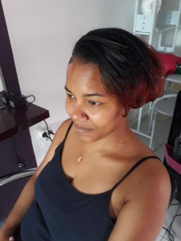 Fabie Dom Hair - Carré pointes rouges
