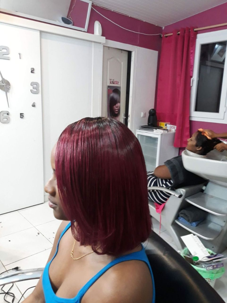 Fabie Dom Hair - Cheveux lisses bordeaux